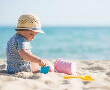 Primer día de playa de tu bebé