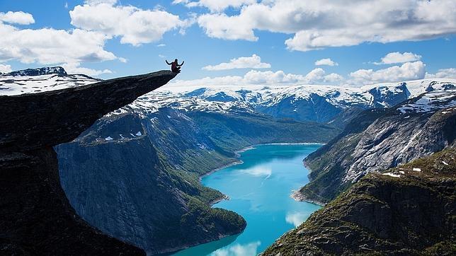 Vistas desde el pulpito o Preikestolen en Rogaland, Noruega